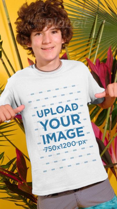 T-Shirt Video Featuring A Young Boy Enjoying Summer 3947v