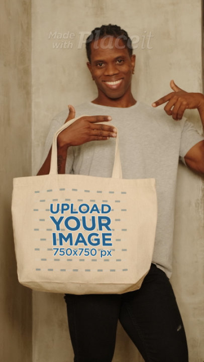 Video Featuring a Happy Man Holding a Tote Bag 4061v