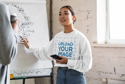 Sweatshirt Mockup of a Woman Giving a Presentation 40134-r-el2