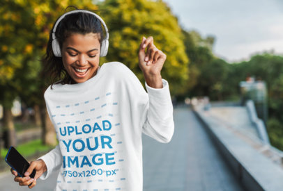 Sweatshirt Mockup of a Happy Woman Dancing on the Street 43984-r-el2