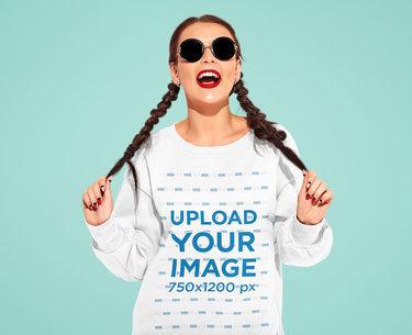 Sweatshirt Mockup Featuring a Woman Grabbing Her Braids M1526-r-el2